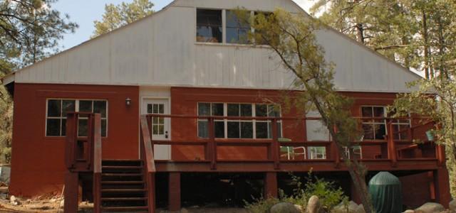 bunkhouse-crown-king-cabin-rentals4-640x300